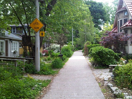 Toronto Island car-free community