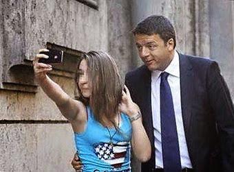 Selfie di bambina con Renzi