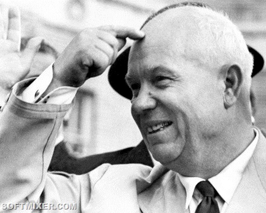 Soviet Premier Nikita Khrushchev, in official visit in U.S.A., smiles as he is welcomed by a huge crowd 23 September 1959 in San Francisco. Soviet statesman, first secretary of the Soviet Communist Party (1953-64), and Prime minister (1958-64), Khrushchev was deposed in 1964 and replaced by Brezhnev and Kosygin.