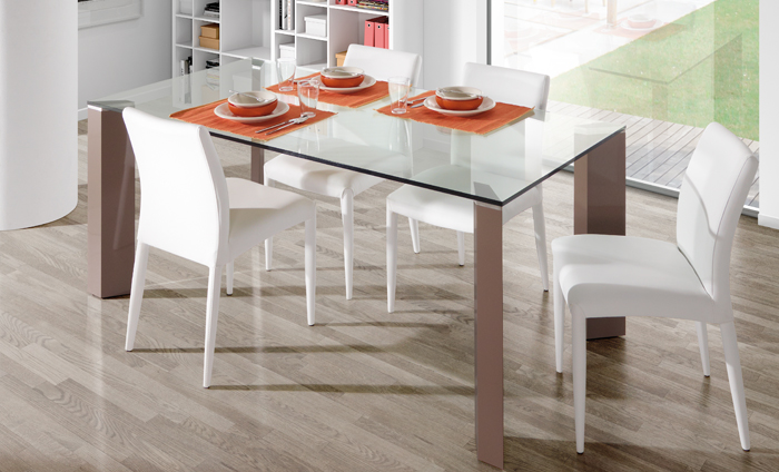 C mo elegir mesa de cristal para tu comedor sin moverte for Mesas de comedor de vidrio extensibles