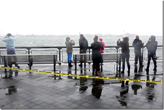 hurricane-sandy-people-photos-20