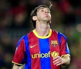 Messi escupe