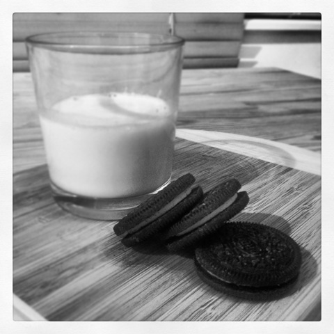 #312 - Oreos and milk