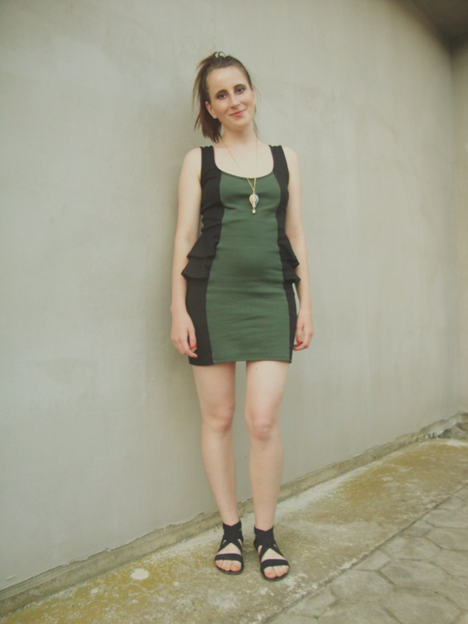 New Yorker dress green and black