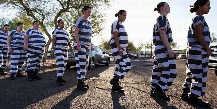 Досмотр женщин в американской тюрьме виде фото 777-594