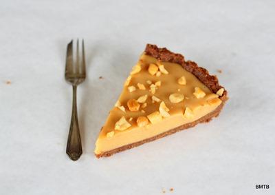 Peanut Butter Marshmallow Tart Slice