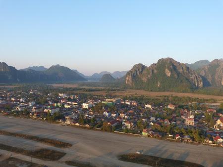 Imagini Laos: Vang Vieng din balon