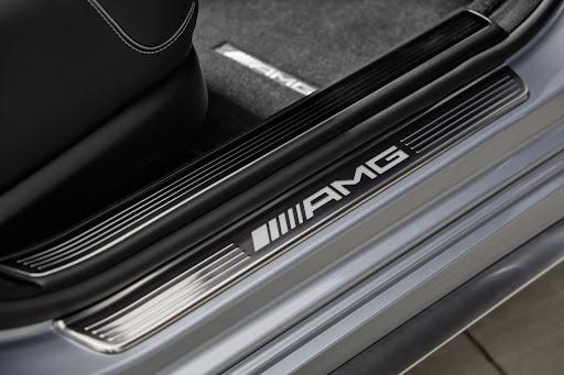 2014-Mercedes-Benz-S63-AMG-36.jpg
