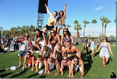 2012 Coachella Music Festival Day 2 OkeO_1OT9C9l
