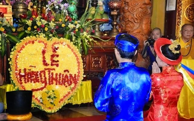 Chia sẻ Phật pháp - Người Áo Lam