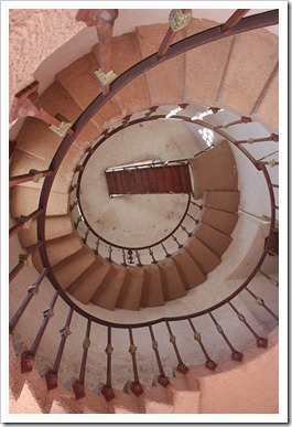 090407_ScottysCastleStaircase2