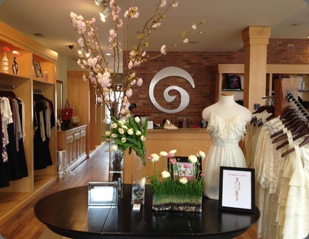 retail 432248_312702468785043_2034810524_n loda floral design