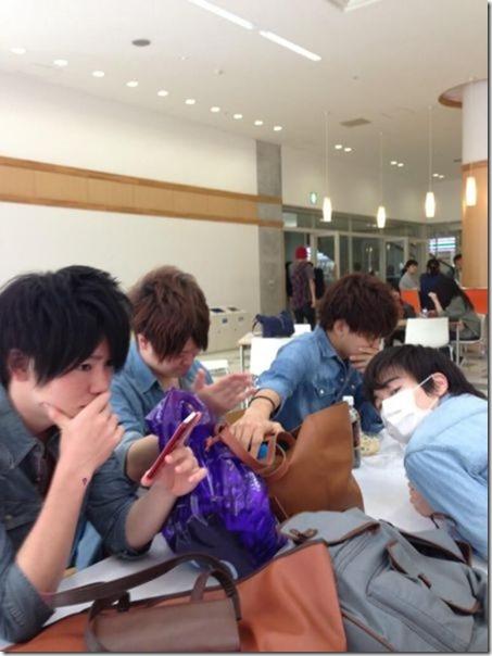 japanese-same-clothes-3