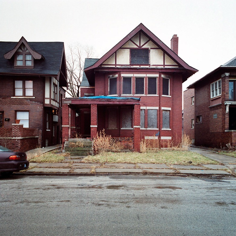 abandoned-detroit-homes8