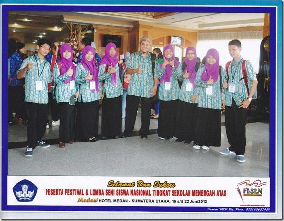 Bersama Kontingen FLS2N Riau di Hotel Madani Kota Medan