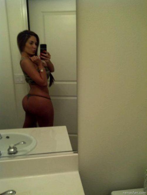 девушки которые сами себя голыми фотографируют в зеркале
