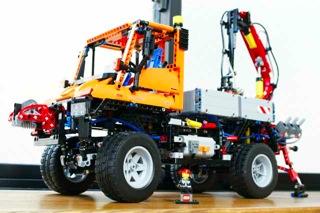 LEGO: 8110 UNIMOGを組む その1