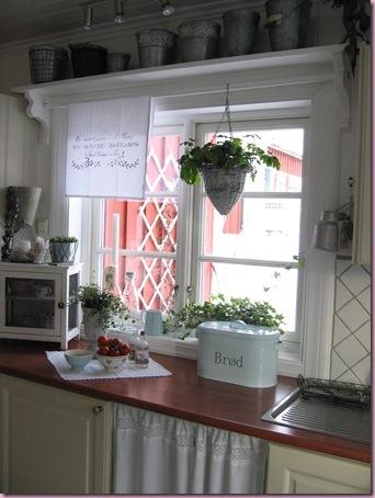 Lene's hus og hage: Enkel pynt i kjøkkenvinduene