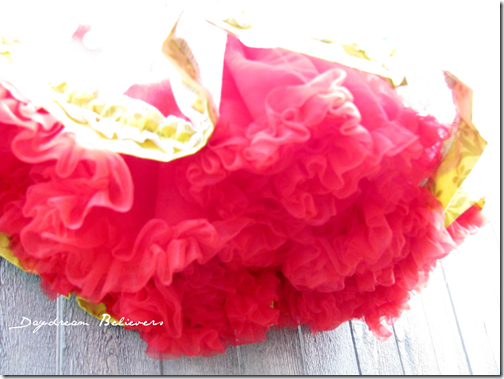 christmas bees knees pettiskirt1