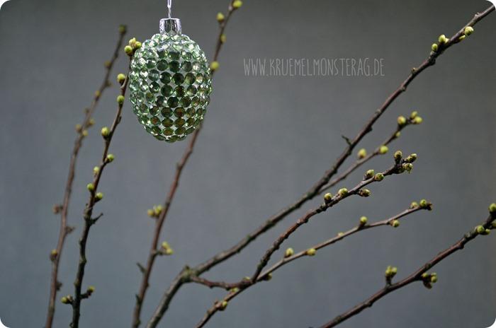 gefüllte Tulpen (06) mit Kirschblütenzweig und Peter Rabbit