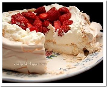 strawberry pavlova 2