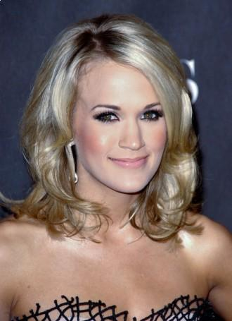 Carrie Underwood hairstyles for women