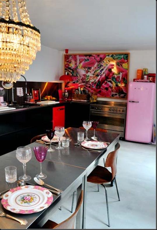 cocina mesa ruedas smeg rosa