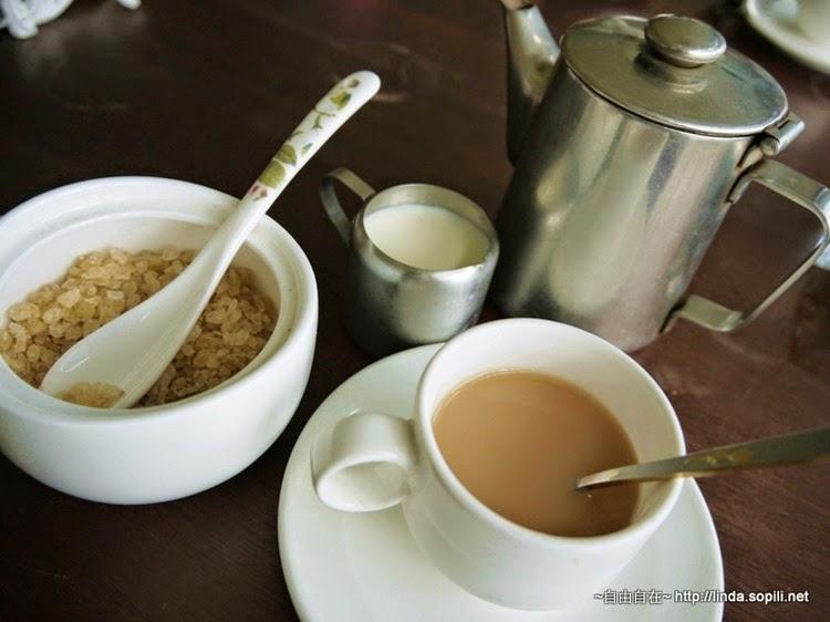 淡伯爵奶茶(鮮奶甜度自調,淡淡茶香很順口,買一盒回家泡)