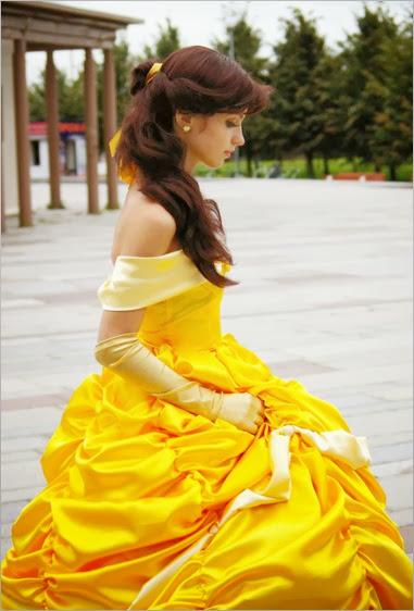 Belle_cosplay_by_RikardaJ