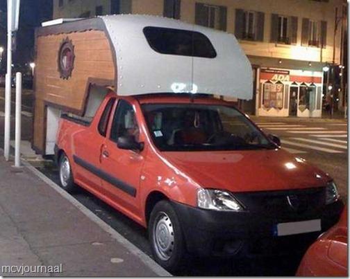 Dacia Pick Up Camper hout 01