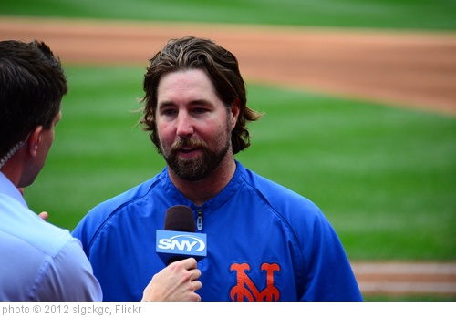 'R.A. Dickey in Post-Game Interview with Kevin Burkhardt' photo (c) 2012, slgckgc - license: http://creativecommons.org/licenses/by/2.0/