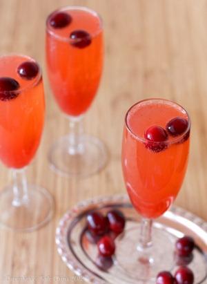 Cranberry-Sparkler-Mocktail-3-wm