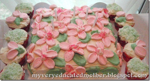 Decorating cakes with marshmallow flowers