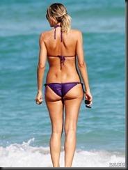 rita-rusic-purple-bikini-miami-05-675x900