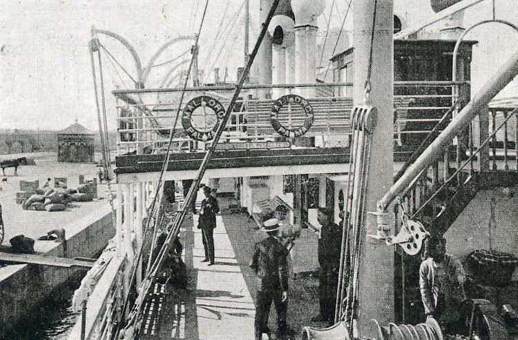 Vapor MALLORCA. Cubierta de Paseo. Libro de Información al Pasajero. Isleña Maritima. Año 1920.jpg
