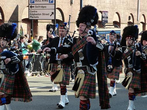 Парад на день святого Патрика в Бирмингеме, волынщики