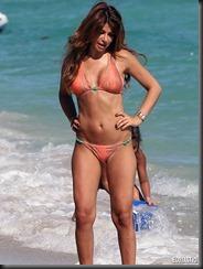 olcay-gulsen-orange-bikini-04-675x900