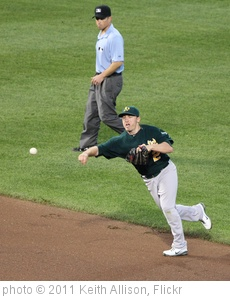 'Oakland Athletics shortstop Cliff Pennington (2)' photo (c) 2011, Keith Allison - license: http://creativecommons.org/licenses/by-sa/2.0/