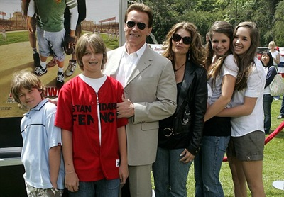 Maria Shiver & Arnold Schwarzenegger With Their Childrens