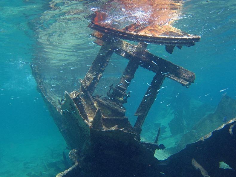 cayman-island-shipwreck-15