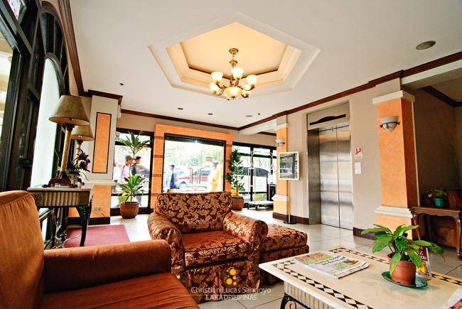 Baguio Hotel Veniz Lobby