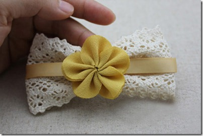 Ribbon-hair-bow-with-flowers-tutorial-1