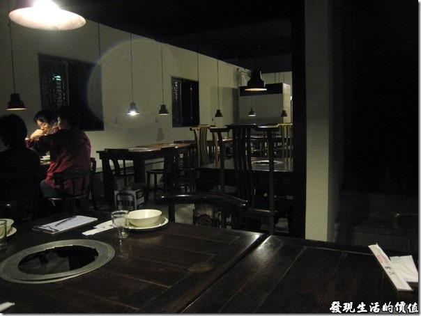 台北-魯旦川鍋。二樓餐廳的一隅。
