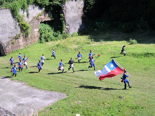 Re-enactment of an important fight for Chile's independence at Fort Corral.