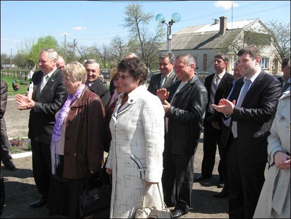 Перші особи Ківерцівського району відвідують вишнівський дитсадок