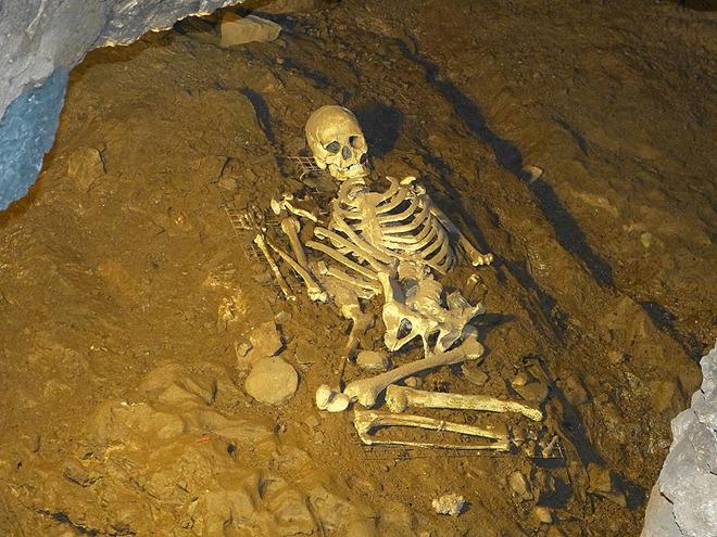 Ущелье Чеддер, пещера Гуфа