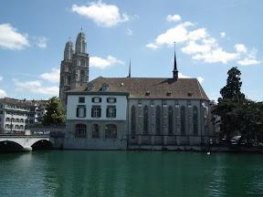 043 - Wasser kirche y Grossmunster.JPG