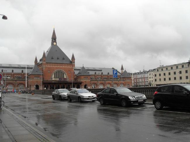 Hovedbanegården en regnfuld dag i Oktober
