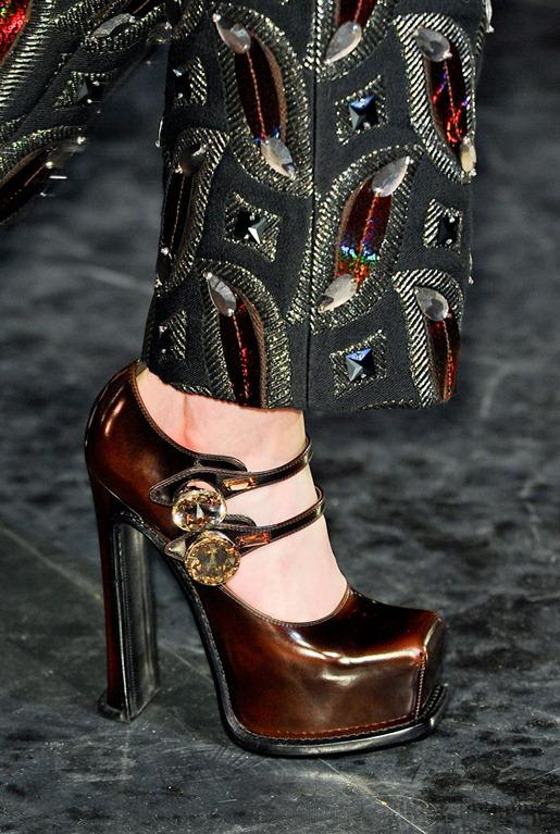 Louis Vuitton Fall 2012 Details 5vn0A9Z5y73x