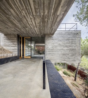 Casa-de-hormigon-Meriterrani-32-Daniel-Isern